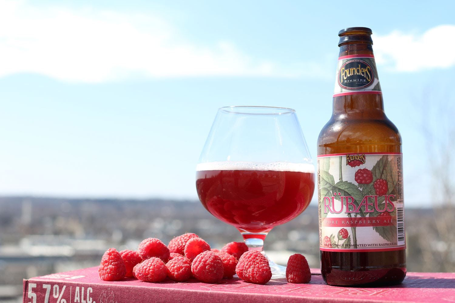 Founders Brewing In Grand Rapids Mi Uses 3 185 Pounds Of Raspberries In Each Batch Of Rubaeus Beer Wine And Spirits Wines Beer
