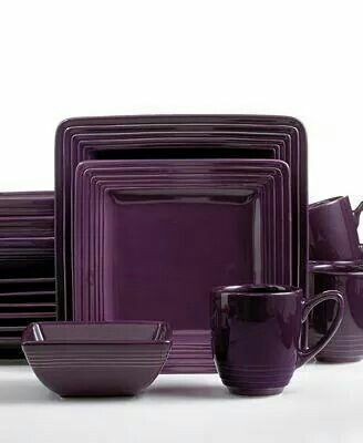 Purple dishes I\u0027m in love! I have been wanting square plates plus purple is the perfect color.  sc 1 st  Pinterest & I\u0027ve never seen purple dishes before and now I\u0027m in love! | Home ...