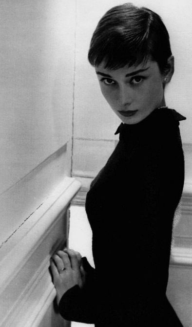 If I Ever Get The Guts To Go This Short Audrey Hepburn Hair Audrey Hepburn Pixie Short Hair Styles