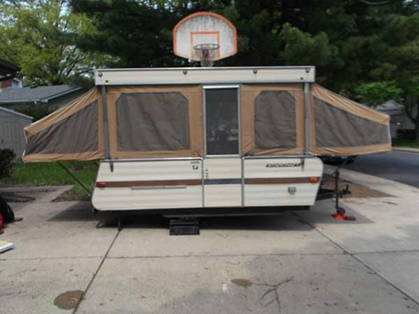 Here She Is Our 1971 Starcraft Starmaster 8 Pop Up Camper Looks