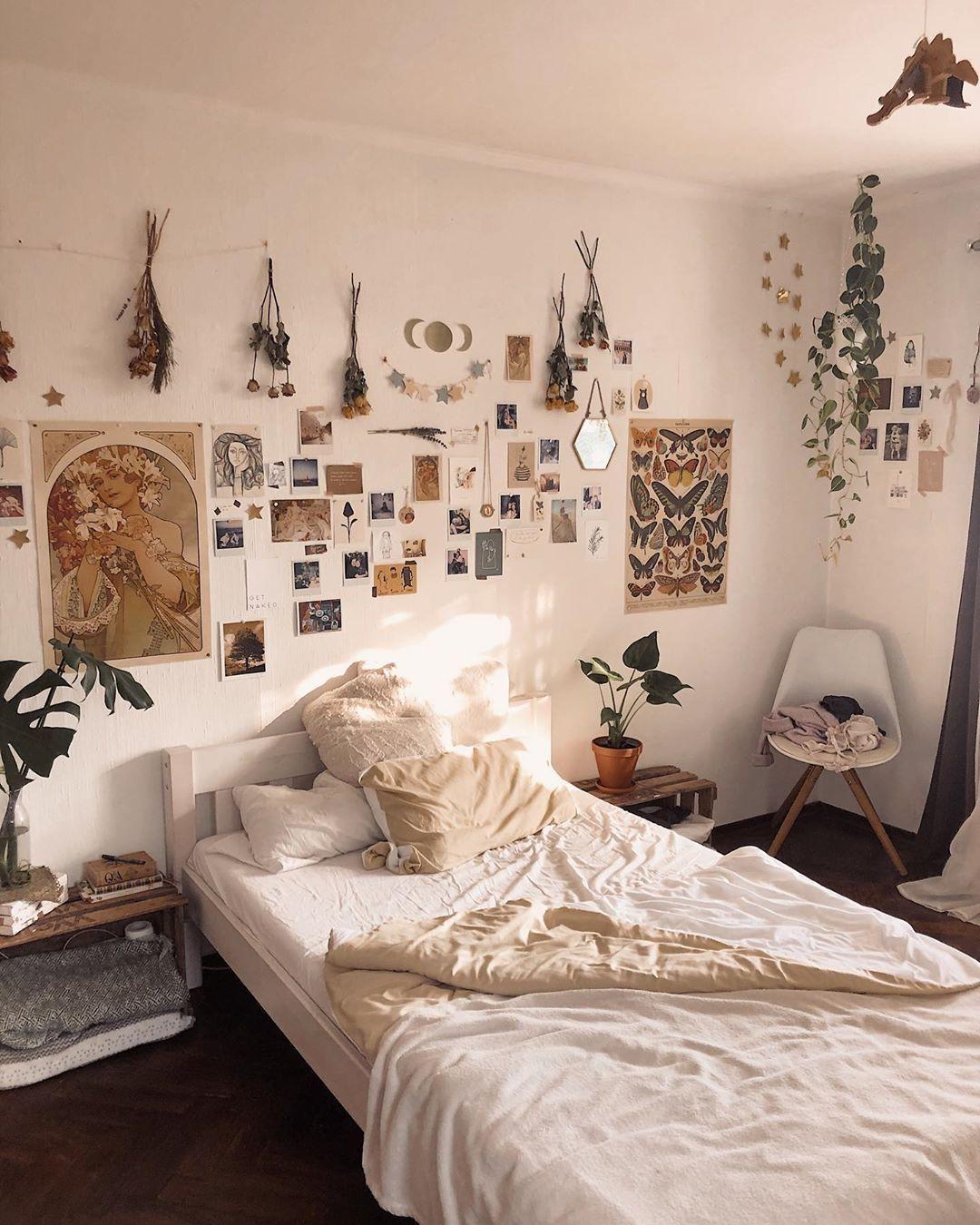 Nlan412 In 2020 Dorm Room Decor Dorm Room Inspiration Aesthetic Bedroom