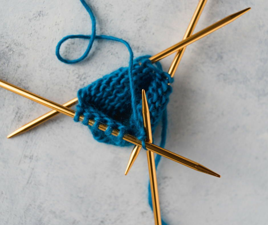 How to Knit in the Round (With images)   Circular knitting ...