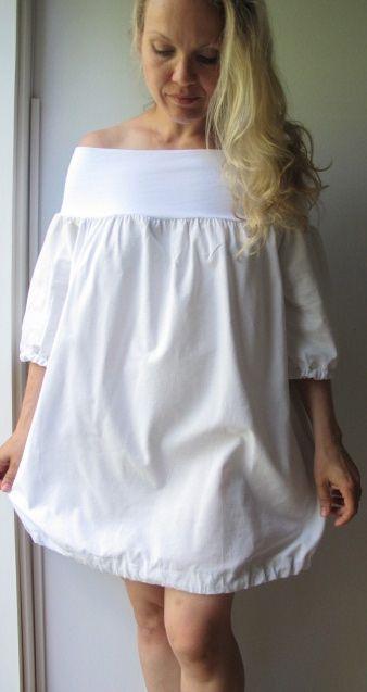 Olkapäät paljastava mekko denimijäljitelmää, 100 % puuvillaa