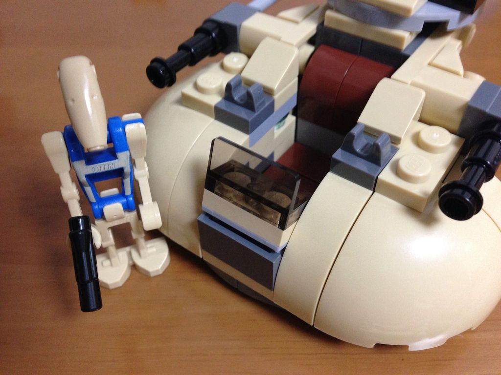 LEGO STARWARS MICROFIGHTERS 75029 AAT http://www.flickr.com/photos/130316250@N03/29024524553/
