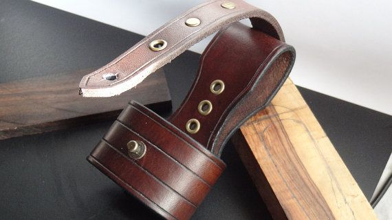 hand crafted leather hatchet axe belt loop for outdoors bushcraft