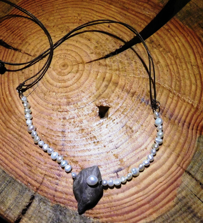 Zuchtperlen Kette mit Treibholz und Leder Pearl Necklace with Driftwood + Leather