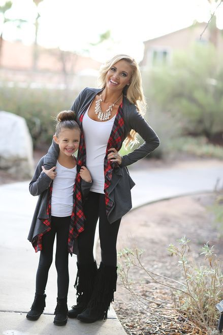 gorgeous mom and daughter matching winter outfit styling