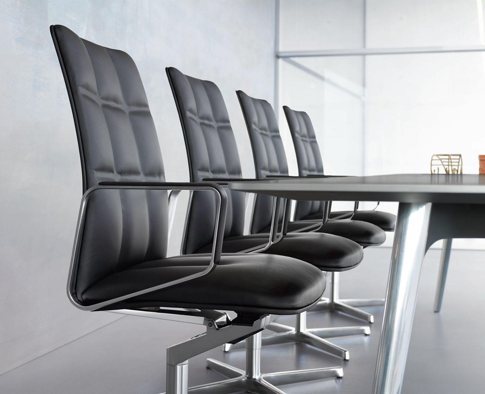 Walter Knoll Bureaustoel.Lead Chair Walter Knoll Black Leather Conference Meeting