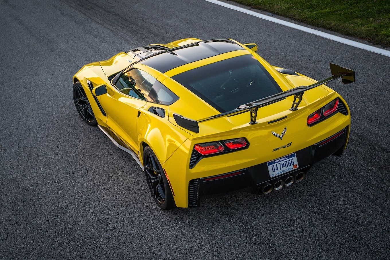 From Past To Present The Chevrolet Corvette Zr1 Corvette Zr1