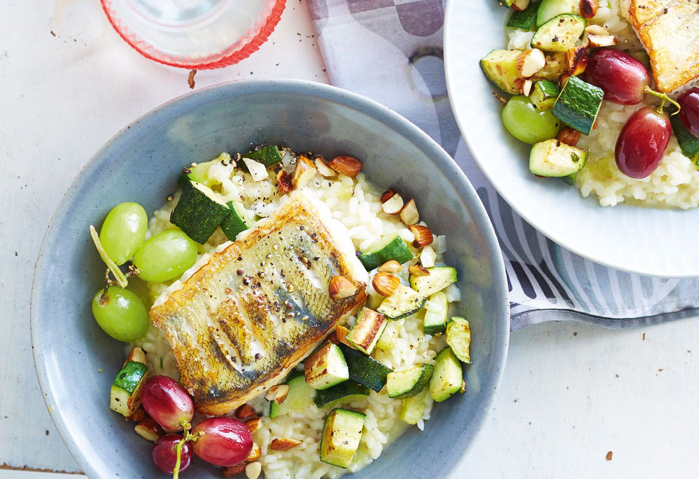 Zucchini-Risotto mit Zander und Trauben