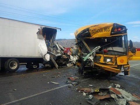 Compilation D Accident De Camion Et De Bus N 12 Accident