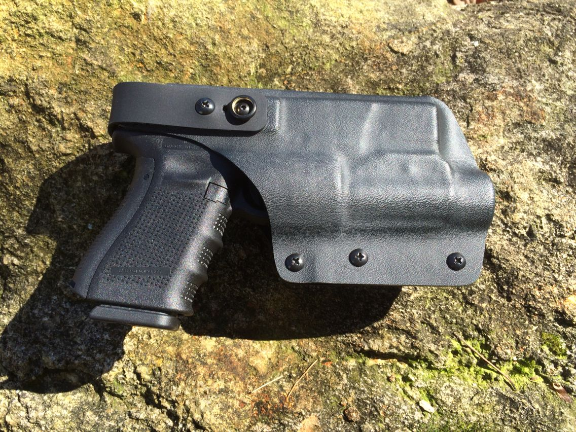Glock 19 with TLR-1 light OWB kydex holster, level 2