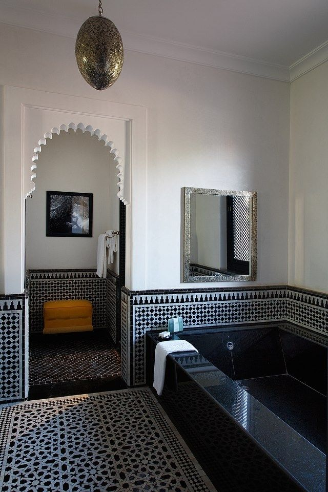 Black and white moroccan tile, black tub. | ❤ My House | Salle de ...
