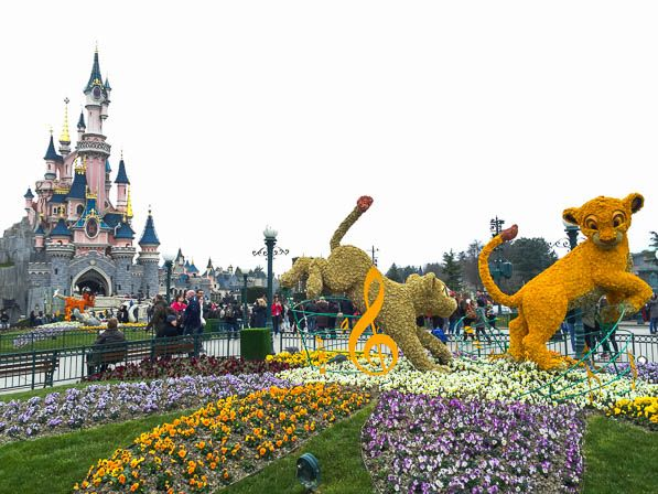 March aux fleurs et magie du printemps disneyland paris for Jardin walt disney