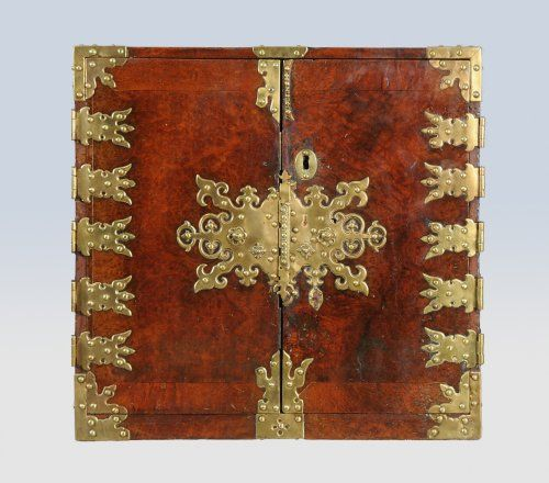 rare cabinet louis xiv en camphrier antiques pinterest louis. Black Bedroom Furniture Sets. Home Design Ideas
