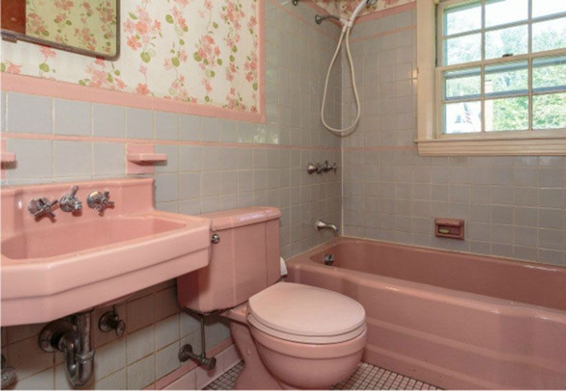 Photo of 2. Pink bathroom fixtures—Believe it or not, pink bathrooms, from the sink and…