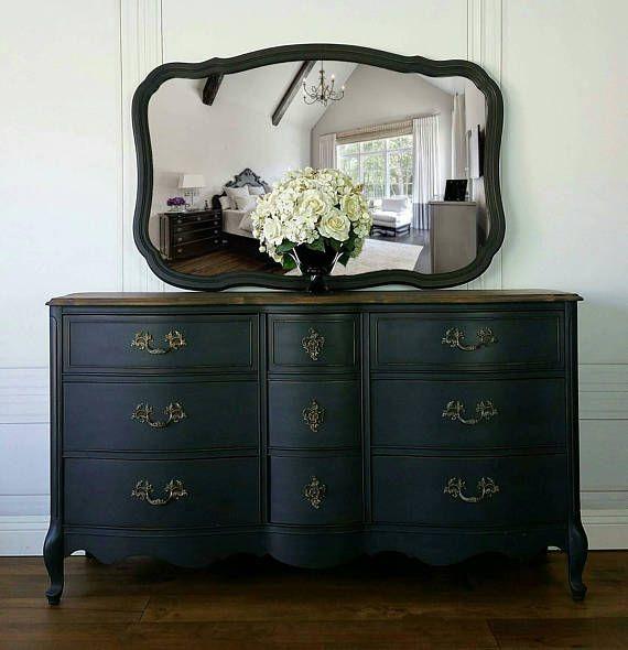 French Provincial Bassett Dresser Amp Mirror This Bassett 9 Drawer French Provincial