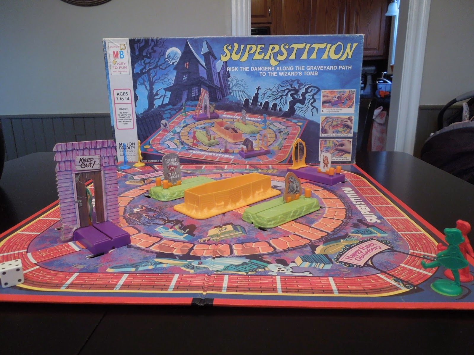 Rol De Mesa Online Superstition By Milton Bradley Arte Wallpapers Etc