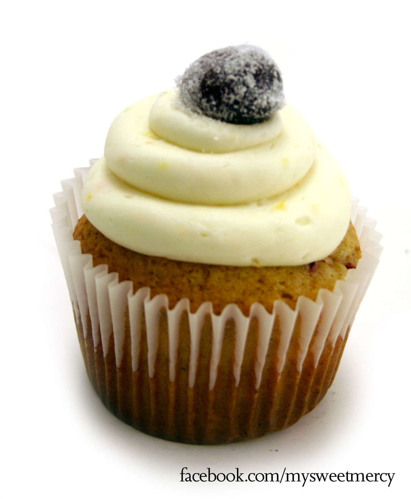 Orange Cranberry Cupcakes -     Convert your favorite vanilla cupcake into a holiday explosion by adding diced cranberries, orange extract, freshly grated orange zest and a dash of cloves ...     Top with vanilla cream cheese icing and a sugar coated cranberry to finish into a mouthwatering dessert!