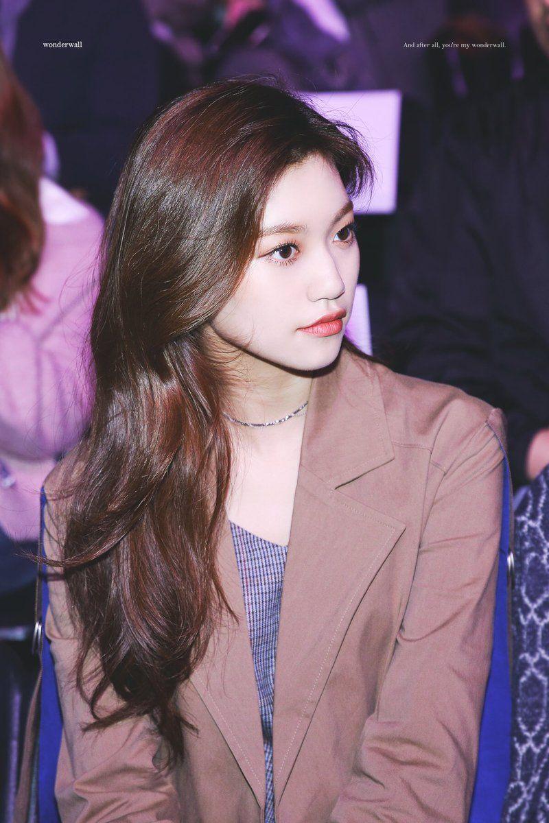 Dedicated To Female Kpop Idols In 2020 Kim Doyeon Doyeon Girl