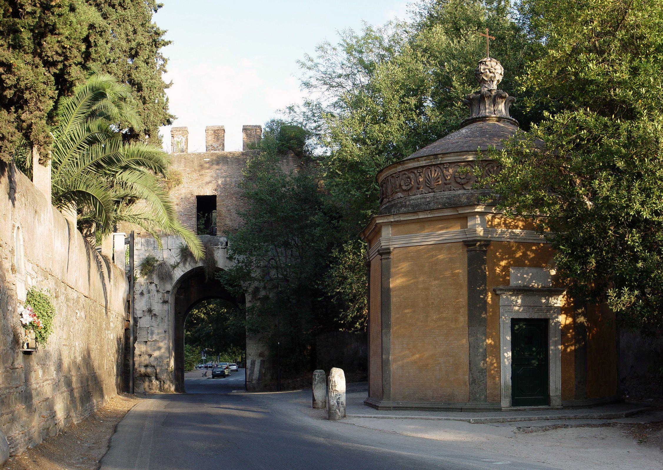 porta_latina_2.jpg (2254×1600)