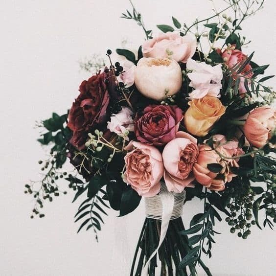 Our Favorite 2019 Winter Wedding Palettes - Blooms
