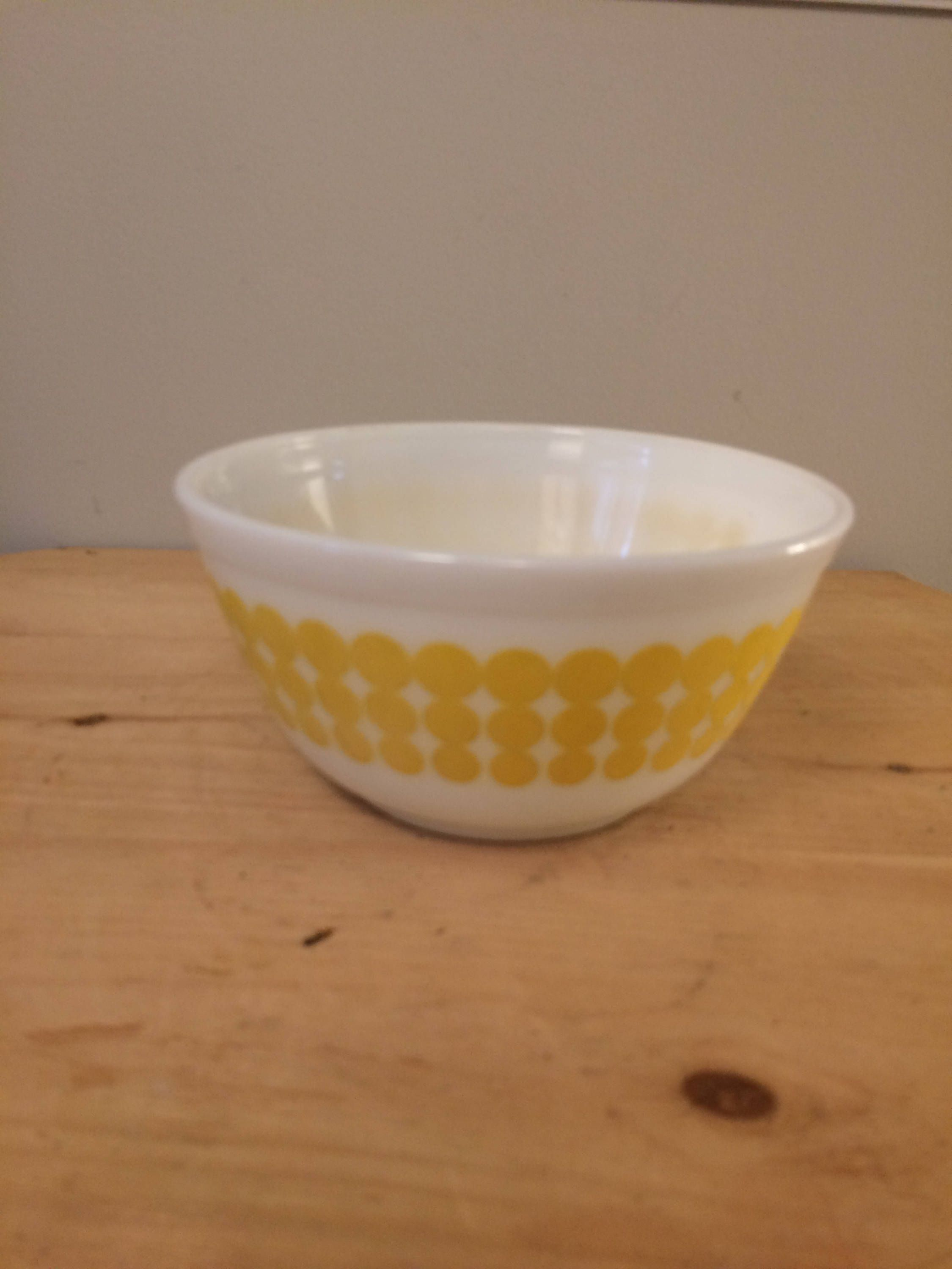 Vintage Pyrex Early American Mixing Bowl #402 1 12 QT Brown on White