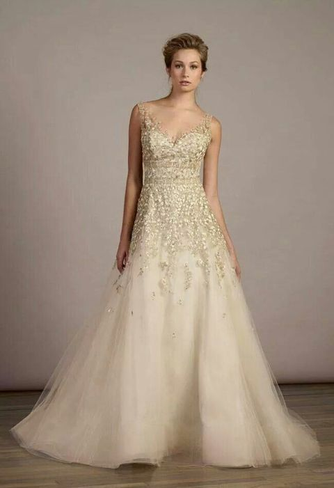Traje de novia color oro