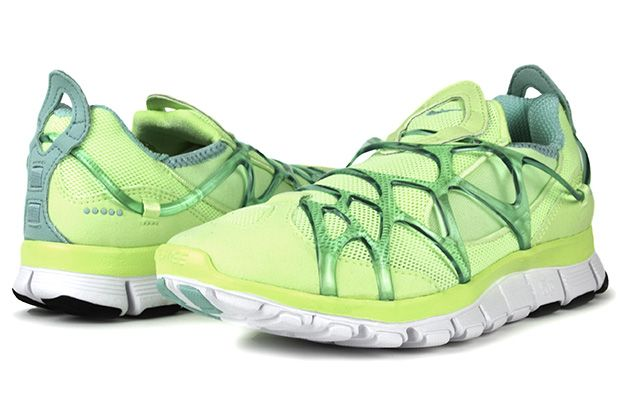 ... Nike WMNS Free Kukini Liquid LimeTropical Twist-White ... d522dd3e5