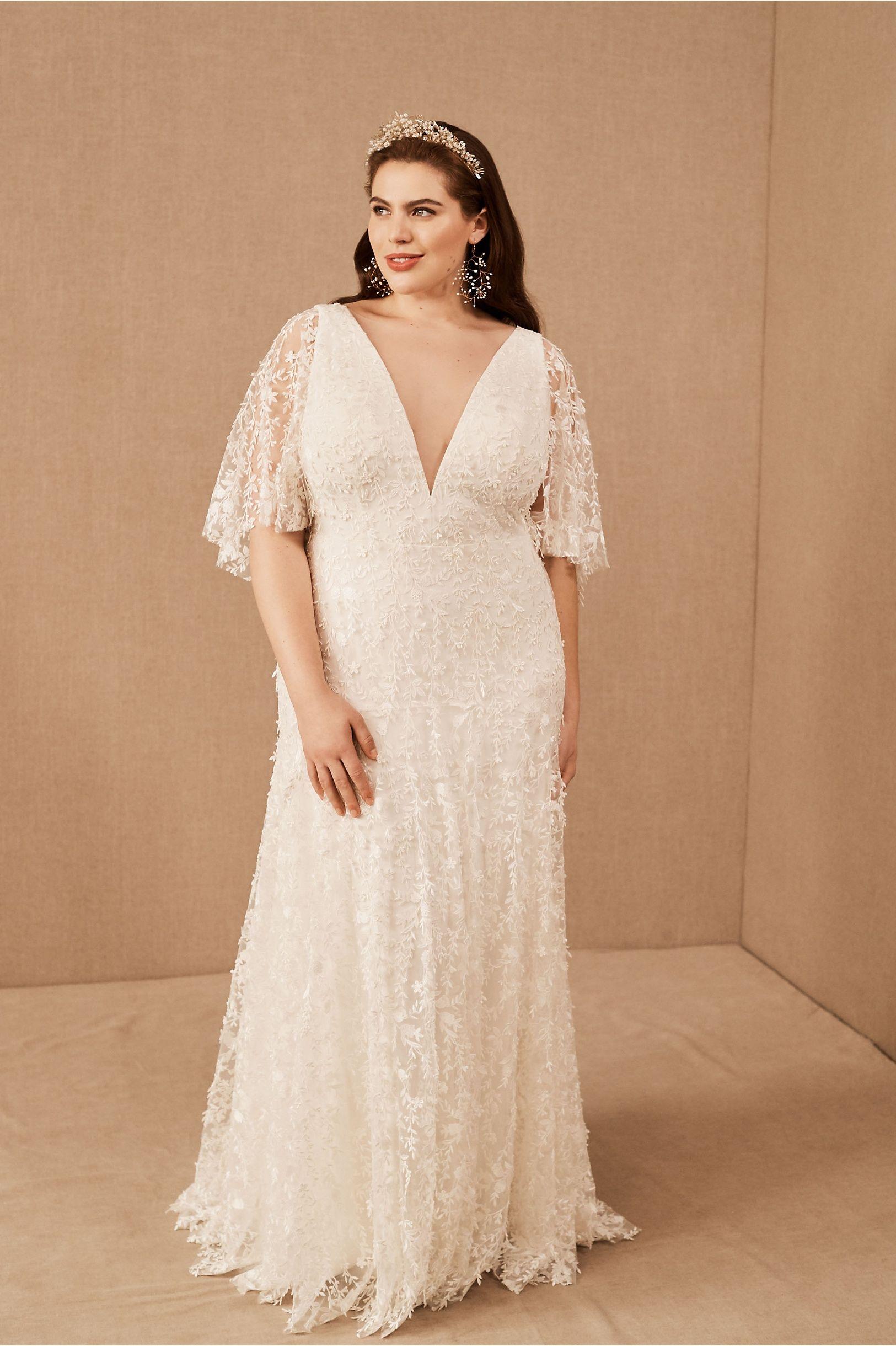 Jenny By Jenny Yoo Lourdes Gown In 2020 Flattering Wedding Dress Plus Size Wedding Gowns Wedding Dresses [ 2440 x 1625 Pixel ]