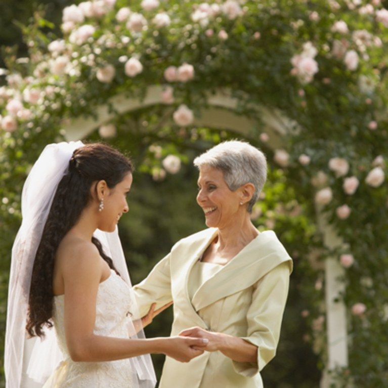 5 Things Every Mother Of The Bride Should Have On Hand For