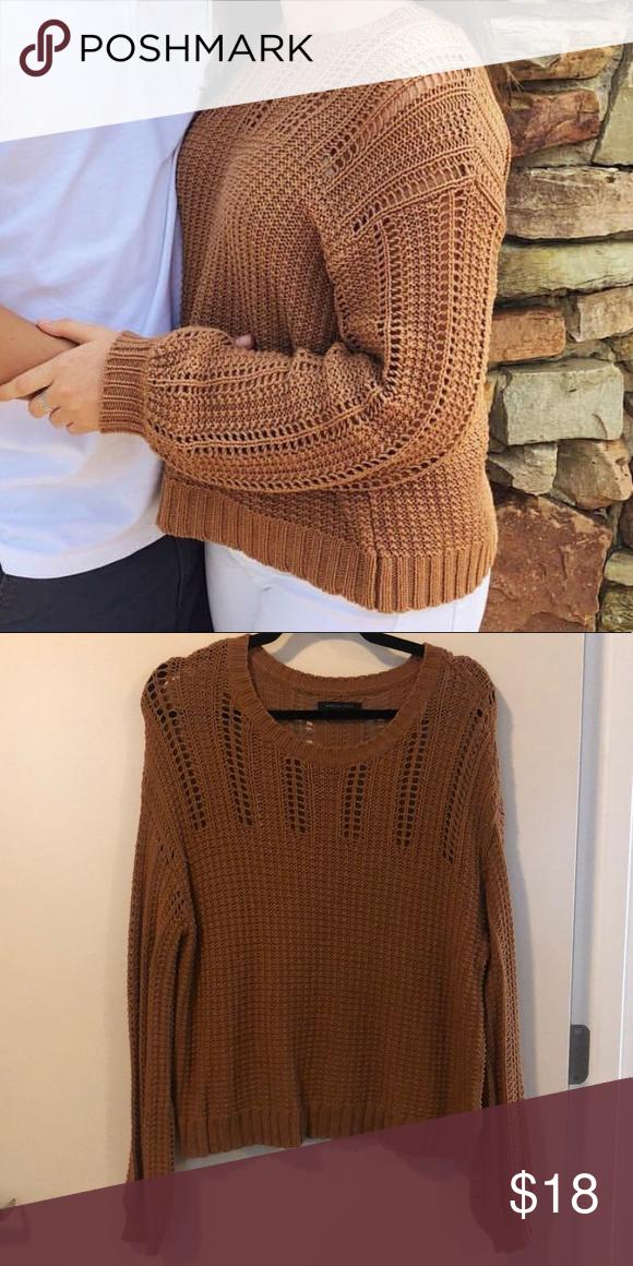 AMERICAN EAGLE SWEATER super cute AEO sweater in a pretty