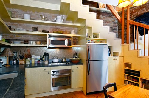 i want a kitchen with stairs in it just so it can look like this