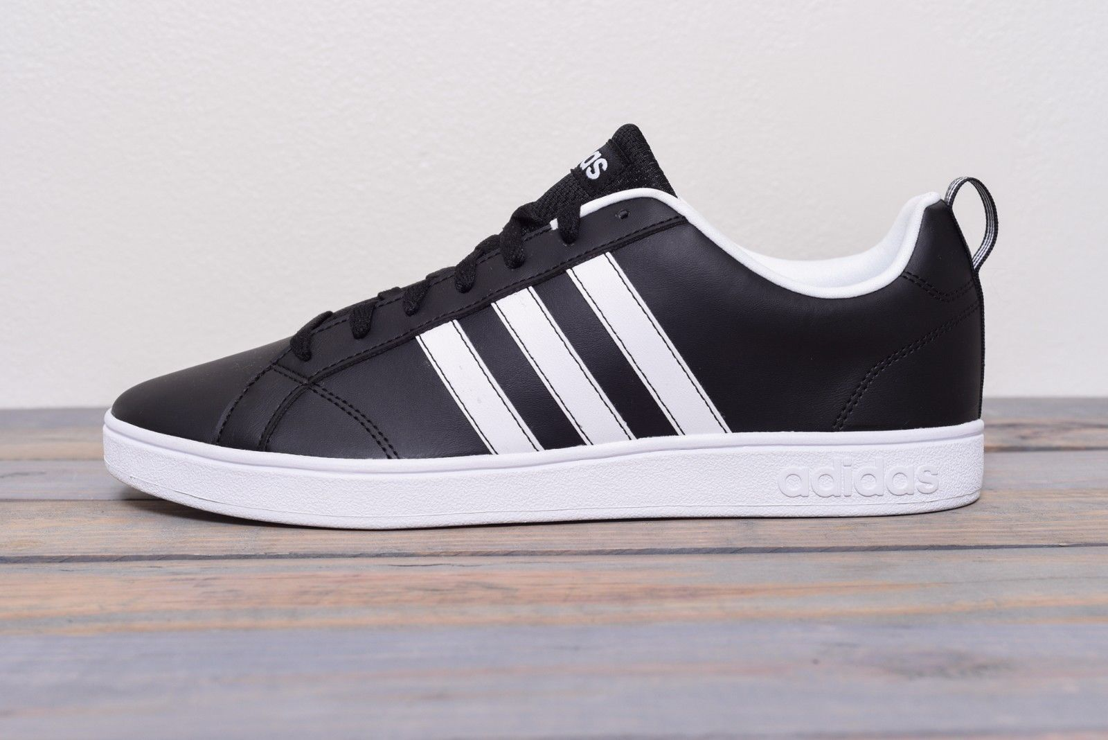 new style fa3be 94094 Adidas VS ADVANTAGE F99254 Black and White Sneakers Size 10 New Mint  Condition
