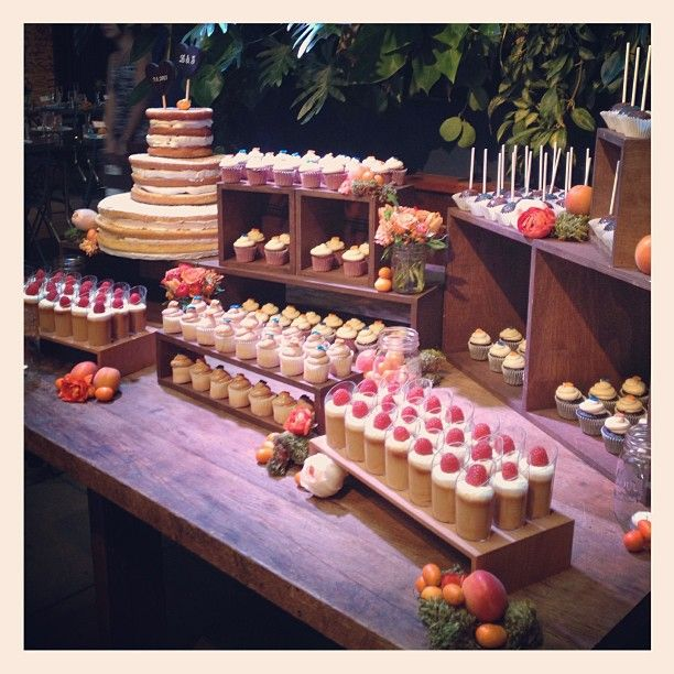 pictures of rustic wedding cake tables mcakessweets rustic dessert table at the marvimon 18430