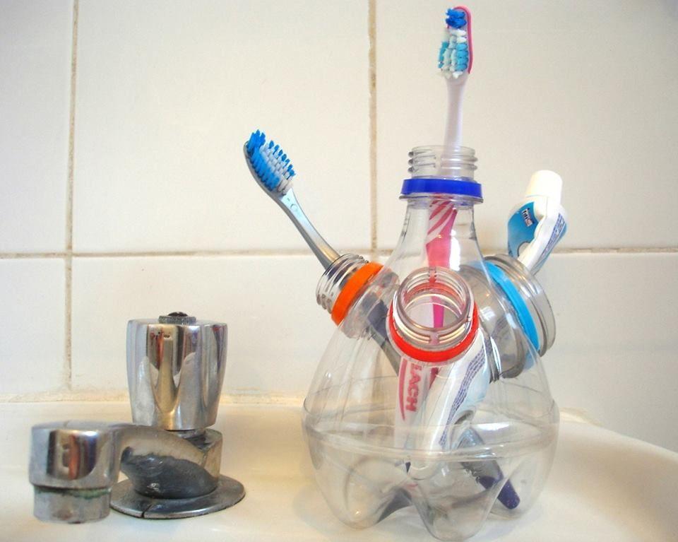 Toothbrush Holder Made Of Pet Plastic Bottles Diy Toothbrush Diy Toothbrush Holder Brushing Teeth