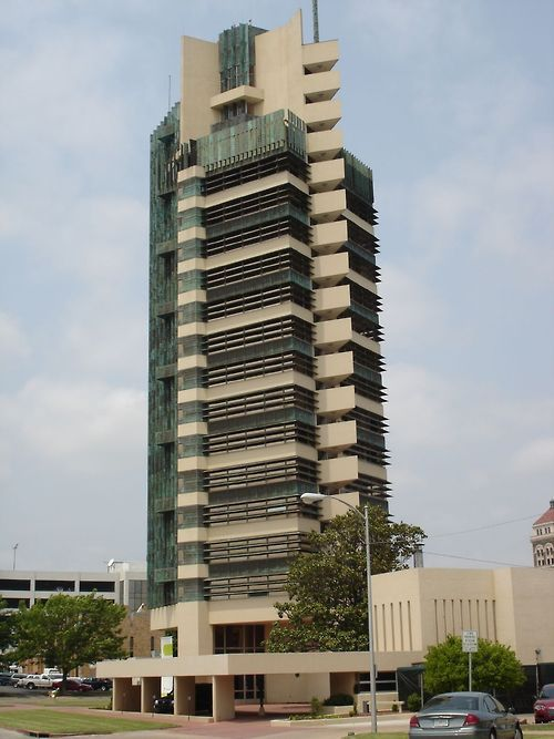 Price Tower: Frank Lloyd Wright's only high rise: Bartlesville, Oklahoma, USA