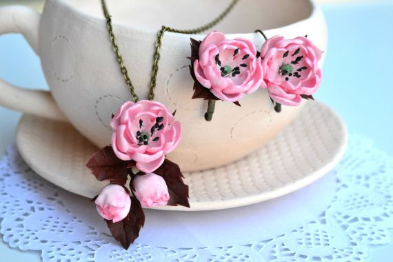 Hey, I found this really awesome Etsy listing at https://www.etsy.com/listing/261619769/sakura-earrings-pendant-necklace-set