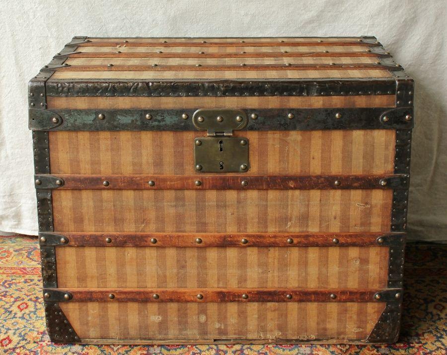 antique authentic louis vuitton rayee stripe steamer trunk. Black Bedroom Furniture Sets. Home Design Ideas