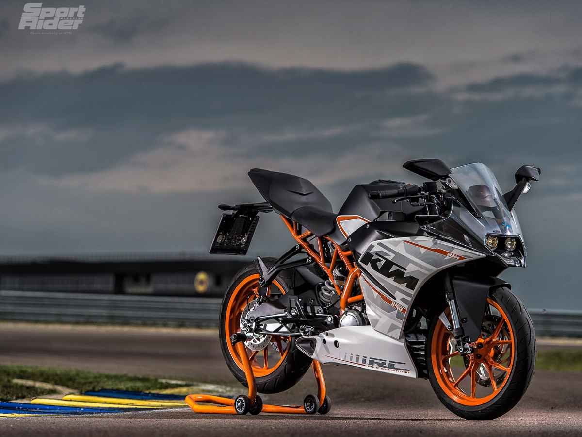 Video 2015 Ktm Rc 390 First Ride Review Ktm Ktm Rc Motorcycle