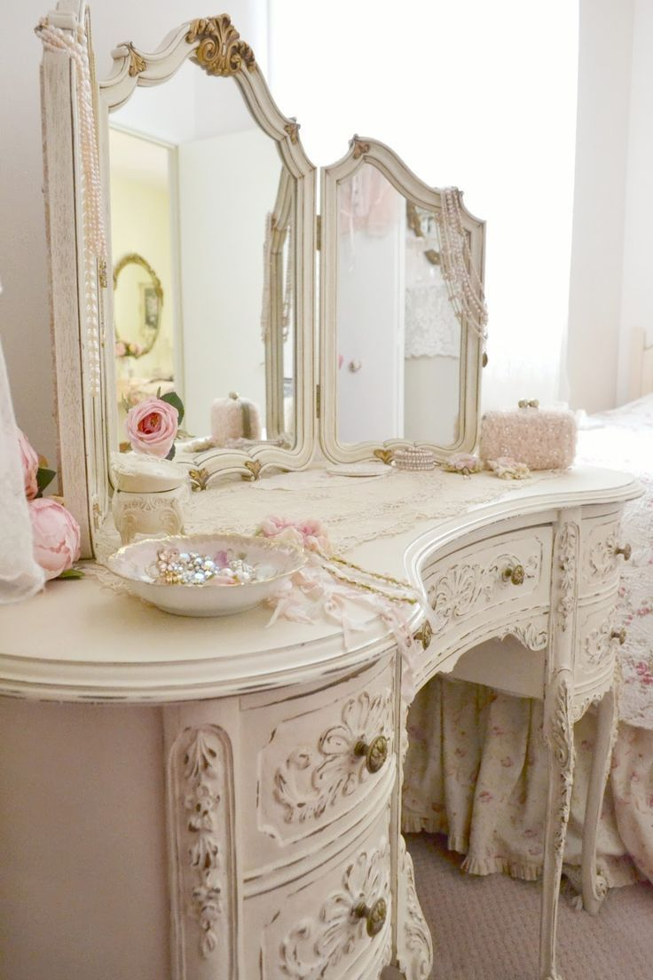 Home decor so shabby pinterest shabby vanities - Tocadores vintage ...