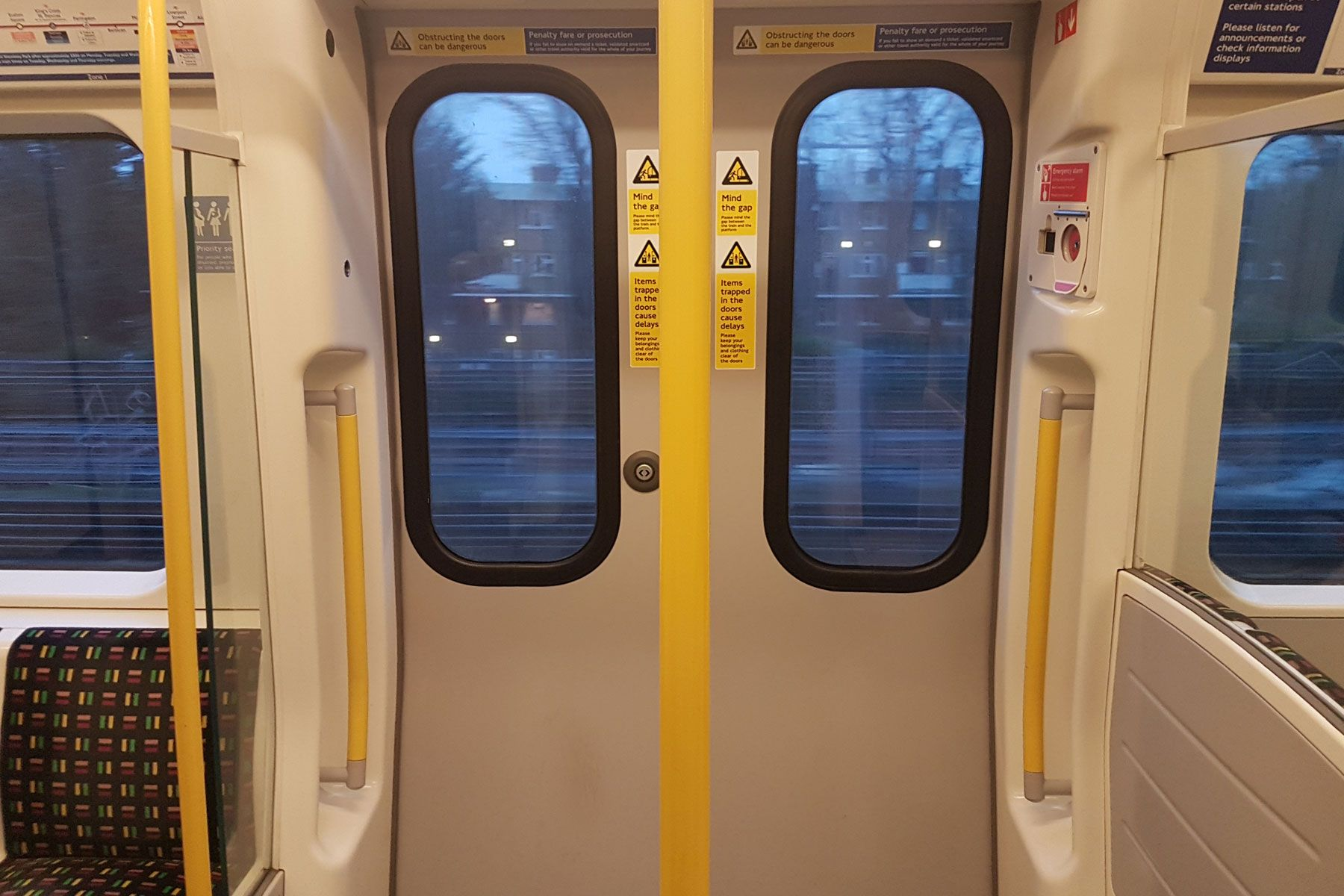 Ever Noticed The London Underground Trains Smaller Doors Railway Trains London Underground Train London Underground Small Doors