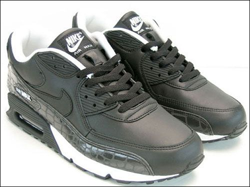 ago by nike the well renowned shoe maker nike air max shoes became