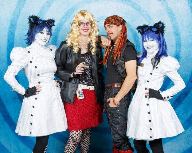 Youmacon 2014. Me with Steve Negrete & The Walter Girls, featuring my own personal Lil Steve.