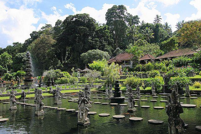 Wasserpalast Tirta Gangga Bali Indonesien Tirta Gangga Water Palace Bali Indonesia Bali Dream Vacations Beautiful Gardens
