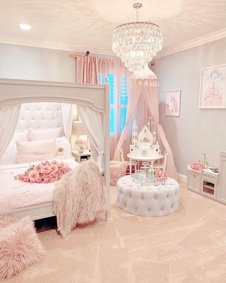 Disney princess bedroom(: Makes me think of my sweet Willa ...