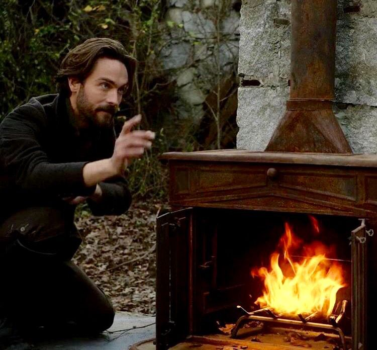 Tom Mison Sleepy Hollow Friday S Fox Missed It Watch It Now