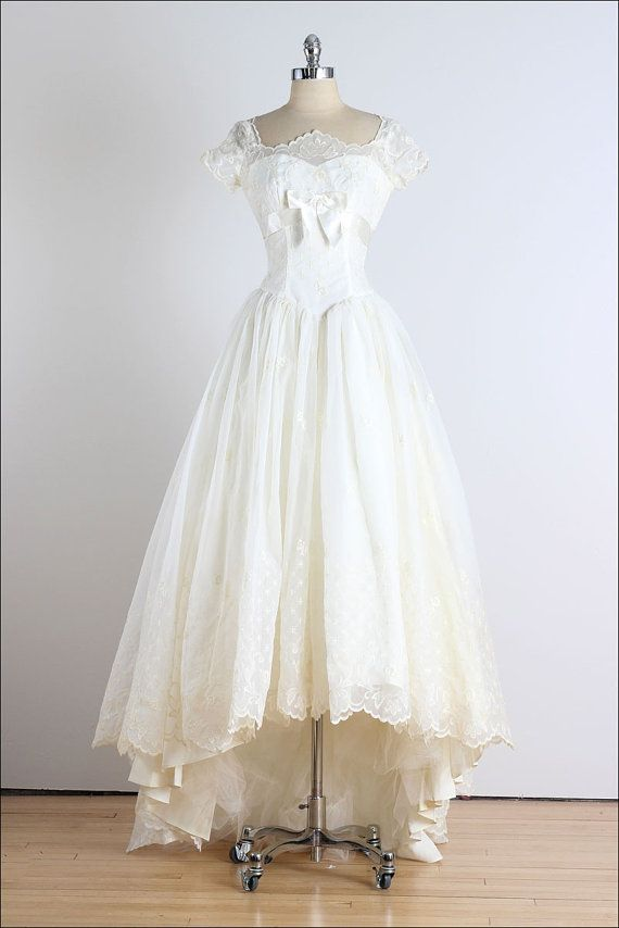 Trousseau. robe vintage des années 1950. robe par millstreetvintage ...