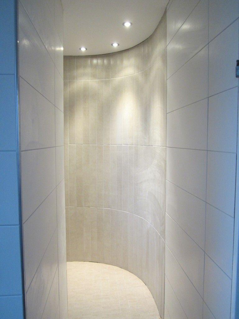 Halbrunde Duschnische Mit Spots Duschnische Begehbare Dusche