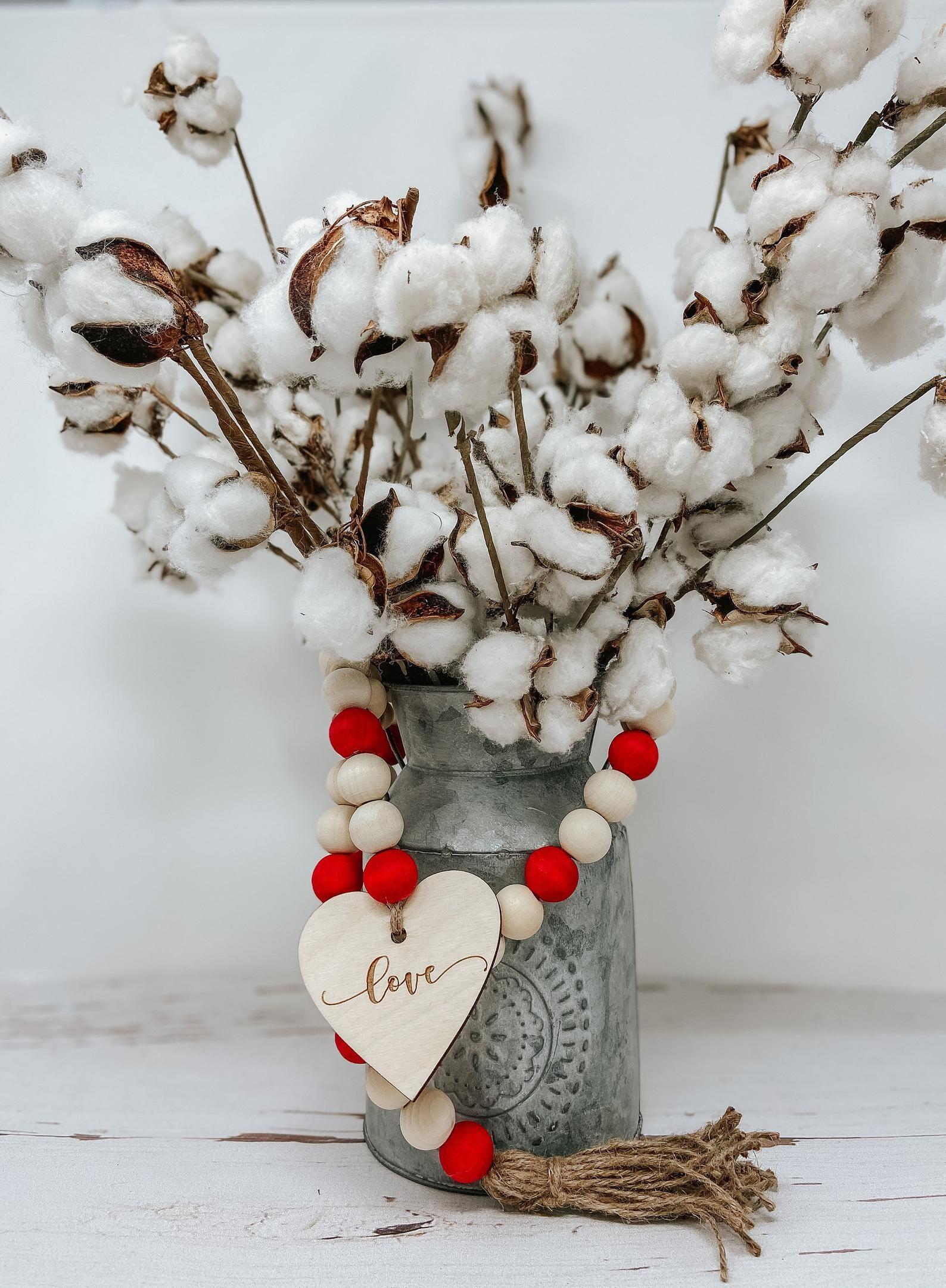 Valentines Beaded Garland Beaded Garland Valentines Day Etsy In 2021 Diy Valentines Decorations Diy Valentines Crafts Valentine Centerpieces